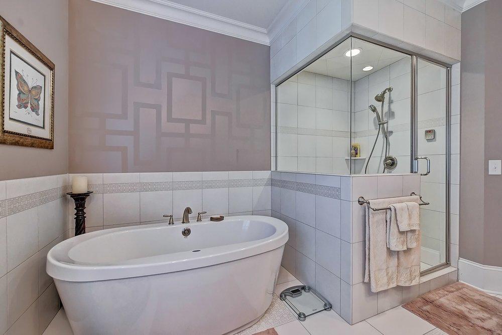 036_Master Bathroom .jpg
