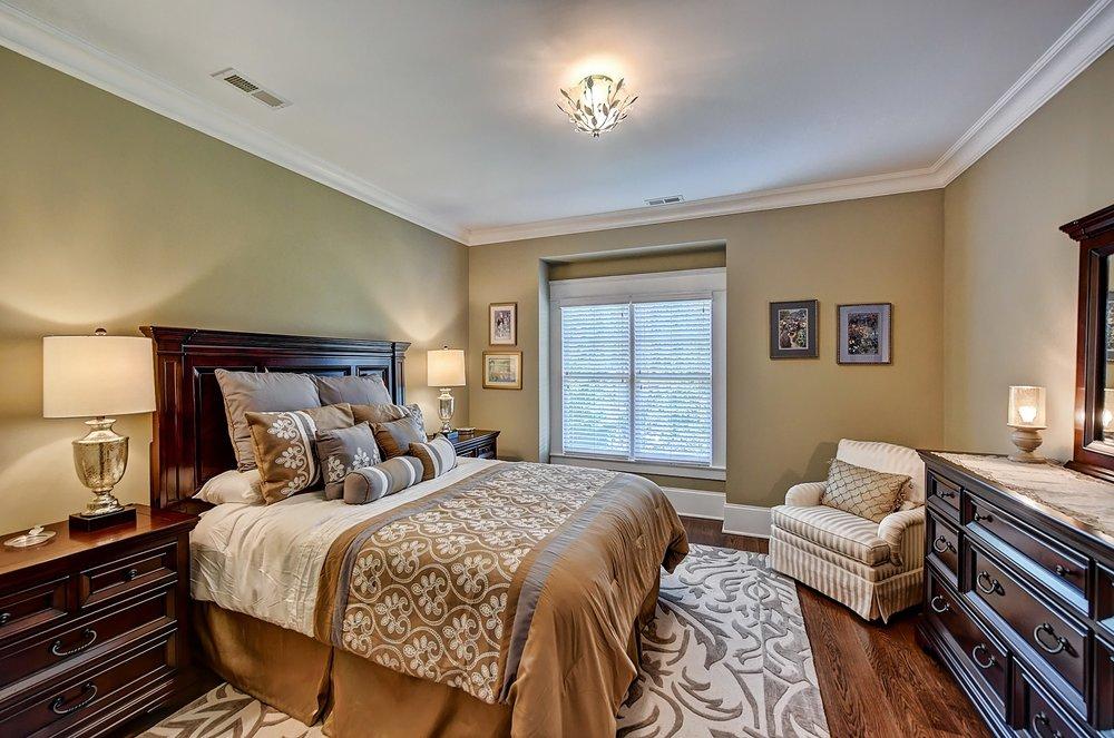 039_Bedroom .jpg