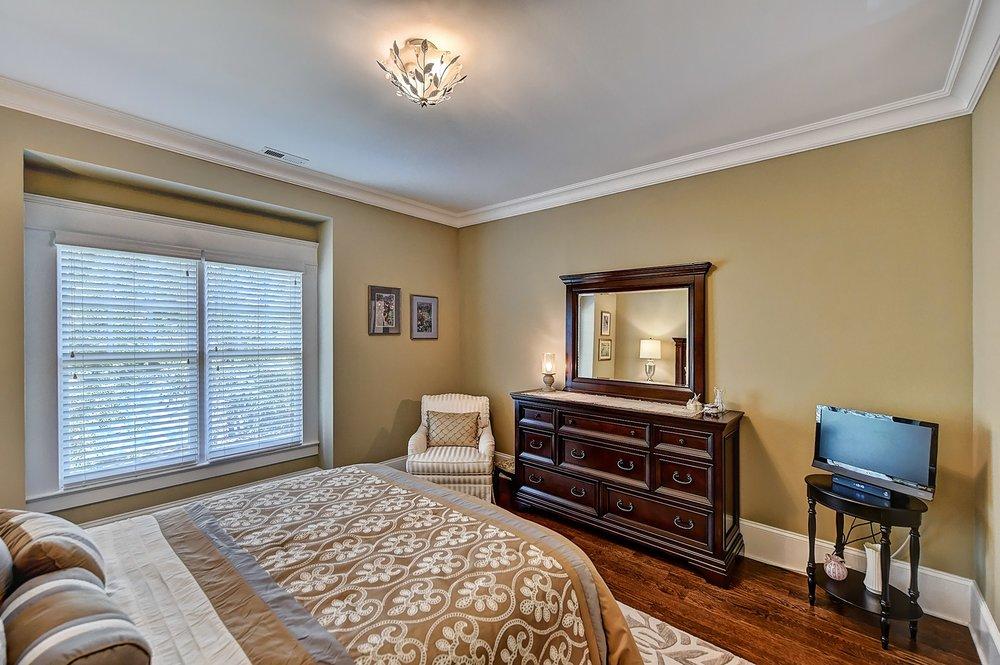 040_Bedroom .jpg