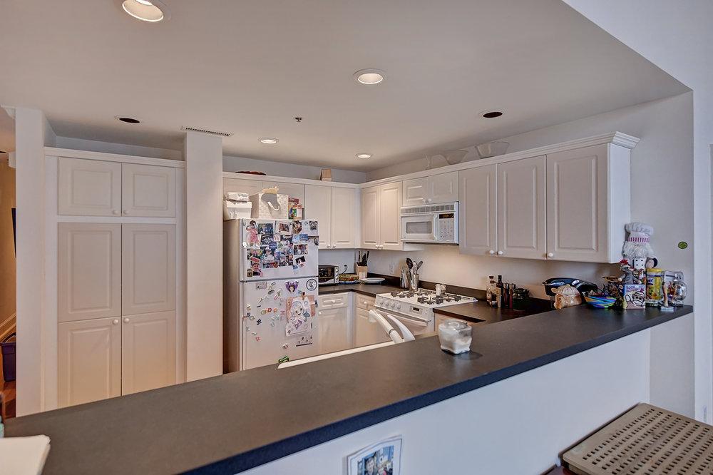 Iveys Kitchen 1.jpg