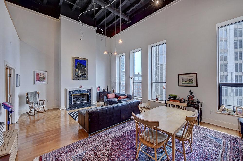 Iveys Living Room 1.jpg