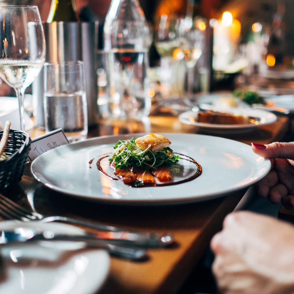 FOOD + BEVERAGE - Bringing the beauty of your culinary experience to life.