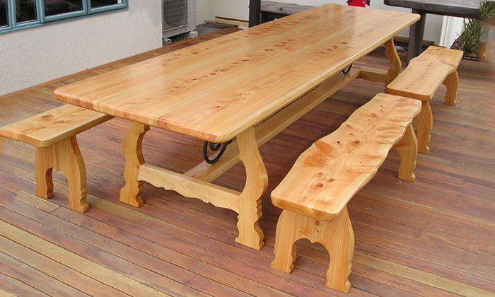 Freeform-dining-table.png