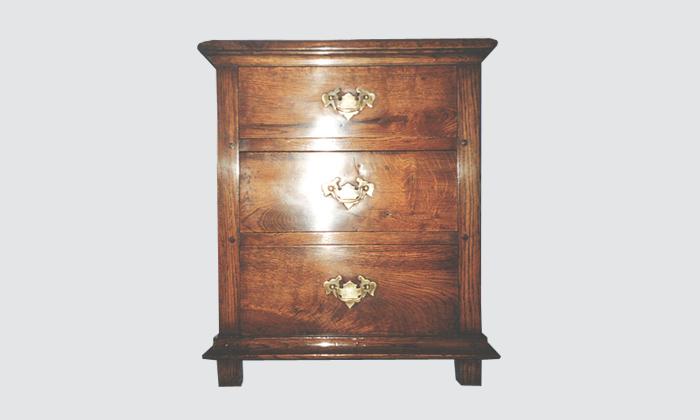 Oak-bedside-table.png