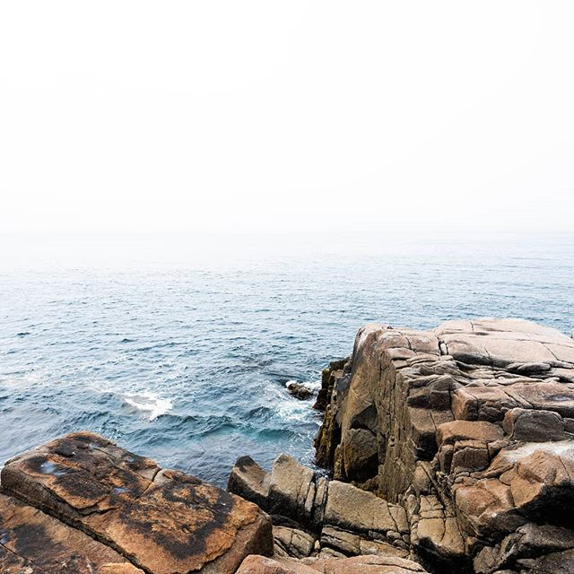Dreaming of foggy NS days 💙 • Please pardon my recent inactivity, I will try to post some more archived photos as I am going through a pretty big (& positive) change in my life right now!  Can't wait to post some new stuff soon ! • #novascotia #peggyscove #landscapephotography #fujifilm #fujifilmgfx #gfx #mediumformat #fineartphotography #easterncanada #eastcoast