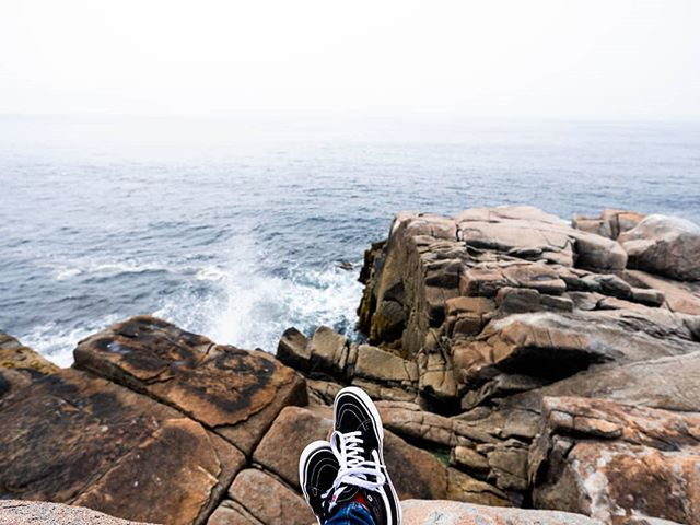 🌊⚓ #offthewall • • #vans #vansoffthewall #sk8hi #vansauthentic #vanscanada #vansgirls #explorecanada #novascotia #peggyscove #halifax #eastcoast #easterncanada #travelcanada #fujifilmgfx #fujifilm #mediumformat #landscapephotography #canadianphotographer #lifestylephotography #ottawaphotographer