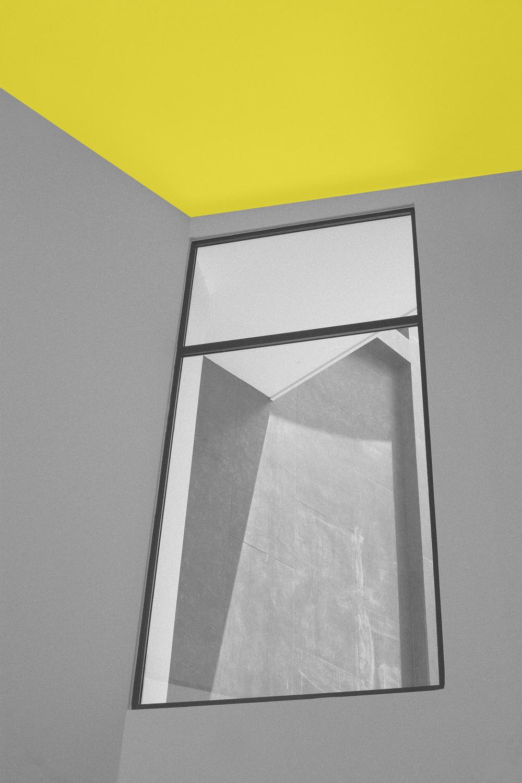 Ventanería - Extensa variedad de ventanas y puertas de vidrio con marcos de aluminio importado, clasificadas en diversos modelos atractivos y funcionales que se adaptan al requerimiento de cada cliente. Productos que garantizan hermeticidad del espacio para aislarlo del frío y ruido exterior.Conozca nuestro catálogo