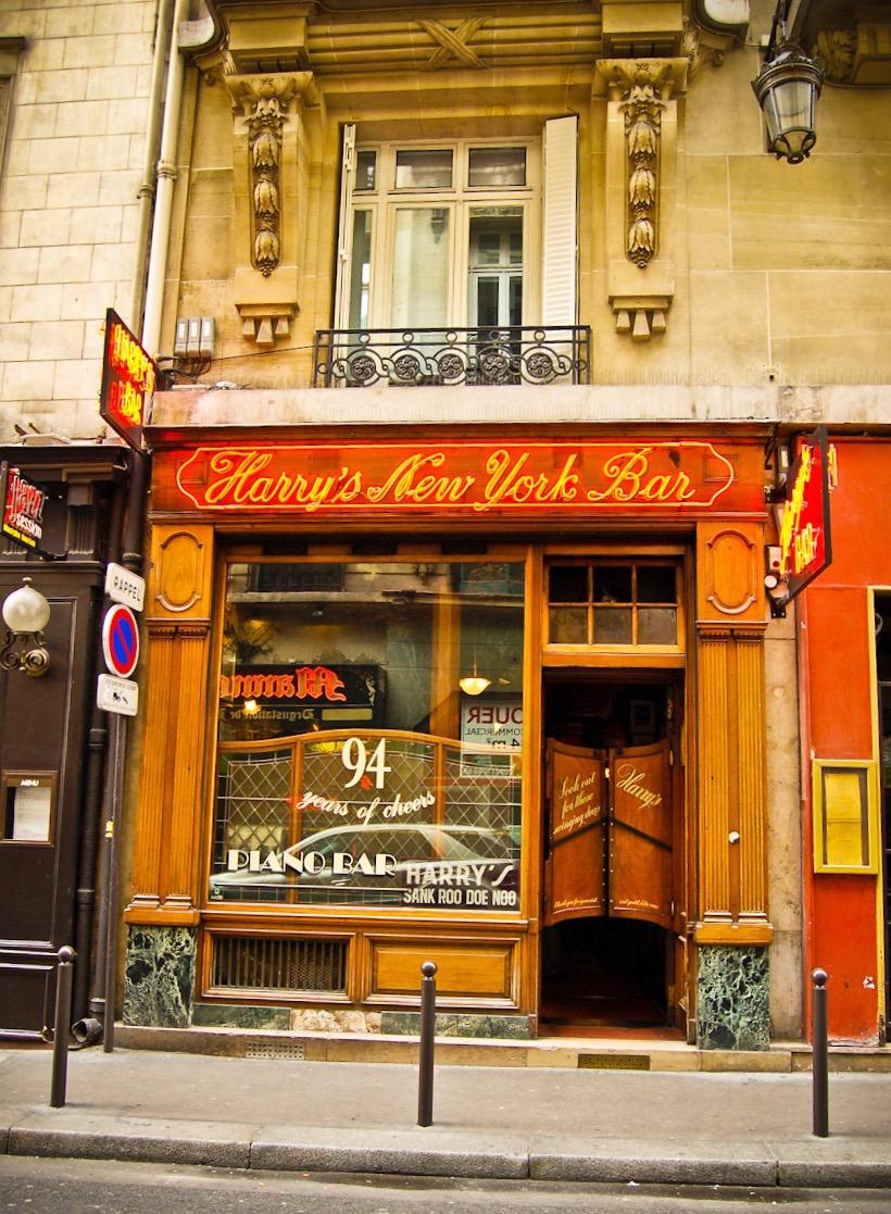 "Harry's New York Bar at ""Sank Roo Doe Noo"" in Paris, as it is today"