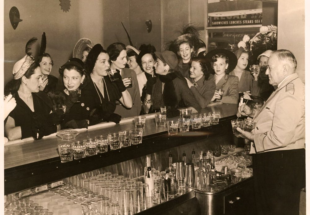 The Sazerac Bar in the Roosevelt Hotel, New Orleans in the 1930s