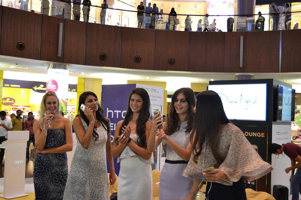 Fun with HTC M9, Dubai Mall copy.jpg
