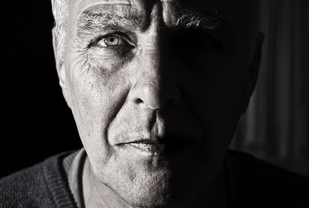 black-and-white-black-and-white-crinkles-258308.jpg