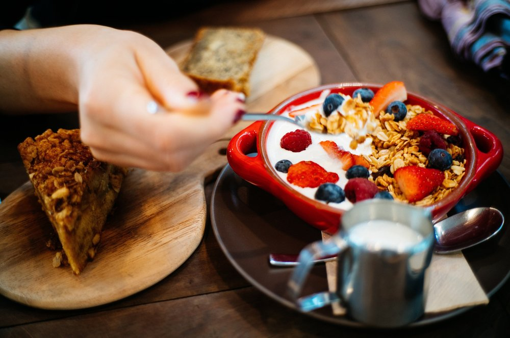 Food and Drinks - Breakfast, Brunch, Lunch, Dinner and Drinks at only 10 min distance