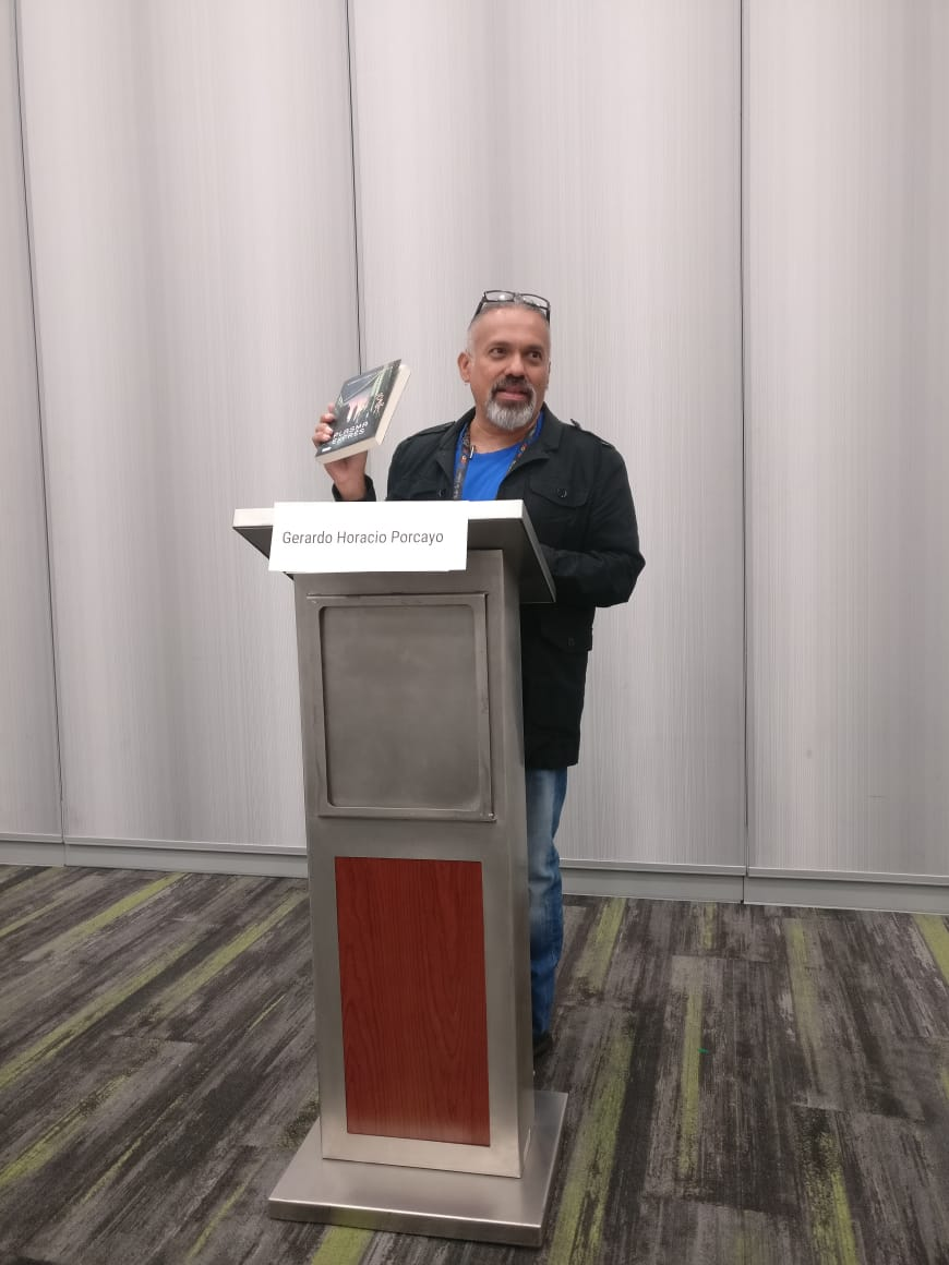 Gerardo Horacio Porcayo at the Mexicanx Initiative Spanish language group reading (Photo by Alberto Chimal)