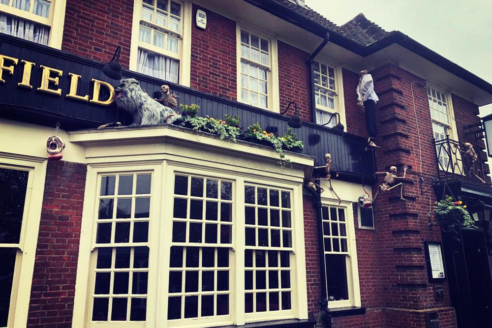 chelsfield orpington pub close up exterior.jpg