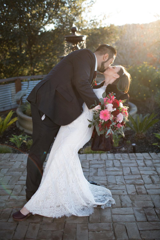 Renee&Jake_WeddingPreviews-006.jpg