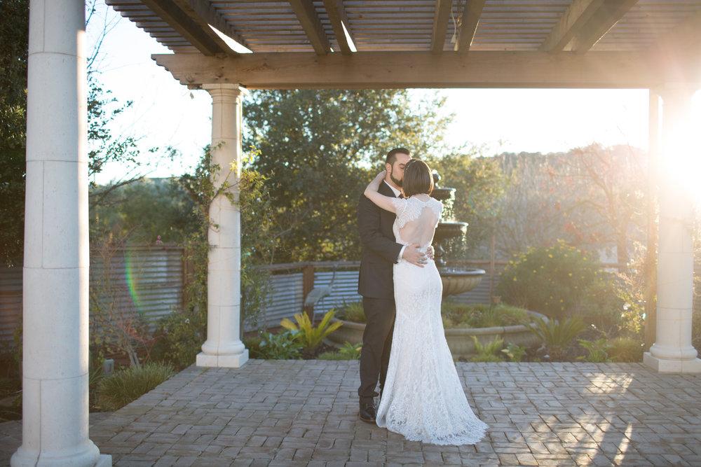 Renee&Jake_WeddingPreviews-007.jpg