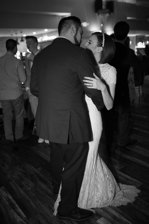 Renee&Jake_WeddingPreviews-021.jpg