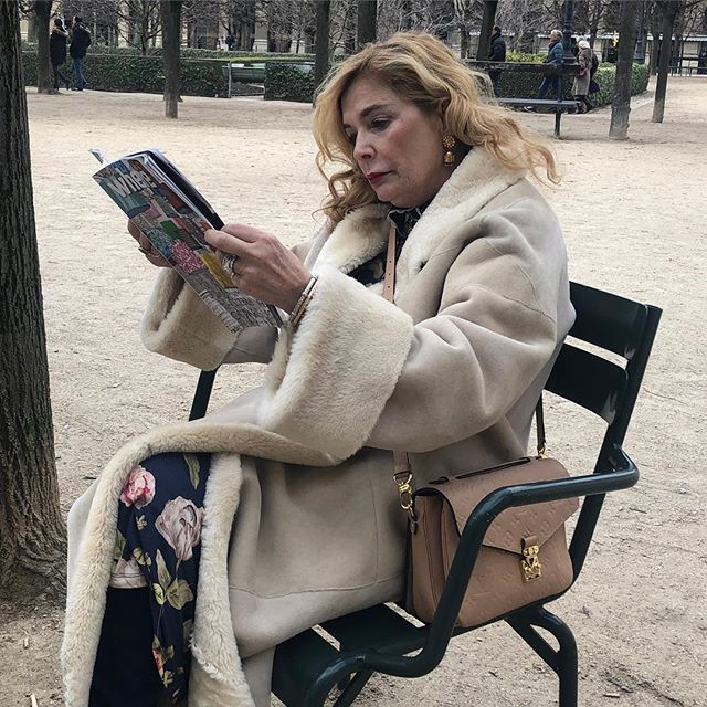 Me in #Paris, enjoying the winter time here is always magical ✨ #celladesigns #travel #jewelrydesigner