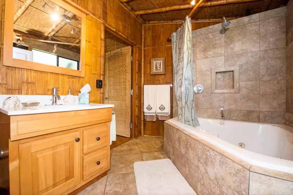 Ohana30-Bath-1.jpg