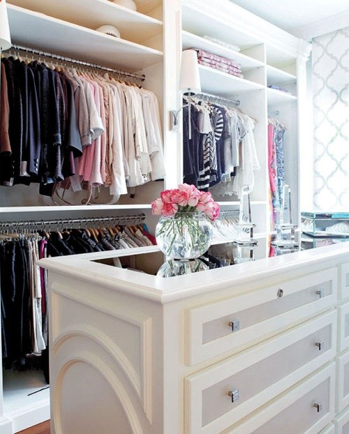 What-a-perfect-closet-looks-like-15-beautiful-walk-in-closet-ideas-8.jpg