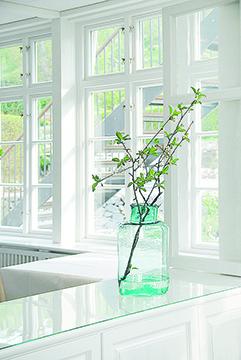 - Fönster har en stor betydelse för hur ett hus upplevs, både exteriör och interiör. Med tiden blir de kostsamma energitjuvar och då är det dags att byta till energieffektiva fönster.I samarbete med Villa Aktuellt erbjuder Ekstrands ett kostnadsfritt hembesök.Läs mer här!