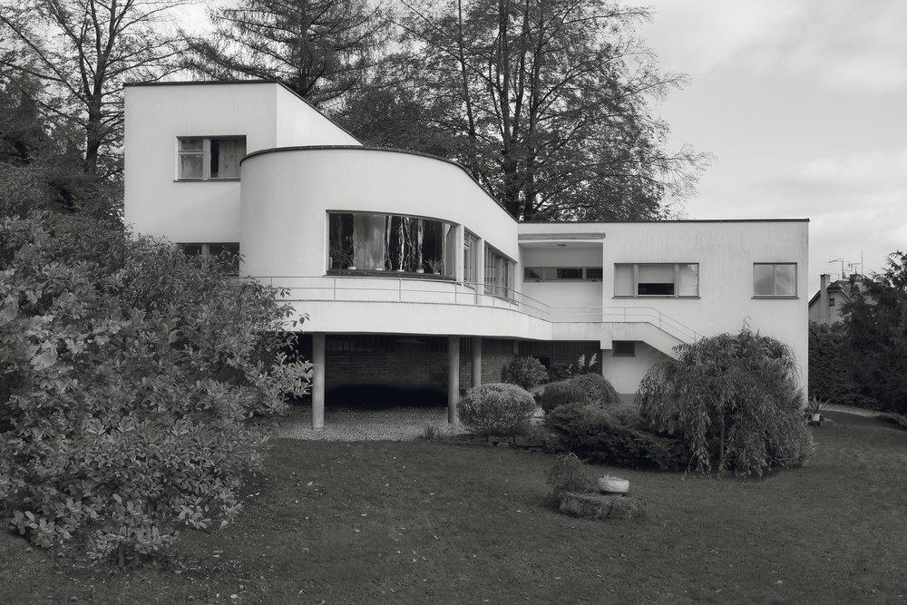 House J. Hásek