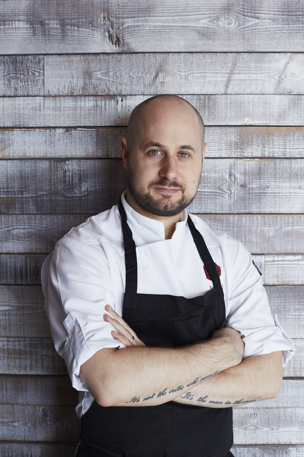 Episode 3: Tom Cenci - Tom Cenci has done six and a half years as executive chef of renowned restaurant, Duck and Waffle. Tom's adventure continues as he moves on to other opportunities and he explains what life was like running the highest, 24 hour eatery in London (which is also open every day of the year).We talk about taking career opportunities abroad and how anxiety doesn't just go away…it's how you deal with it.