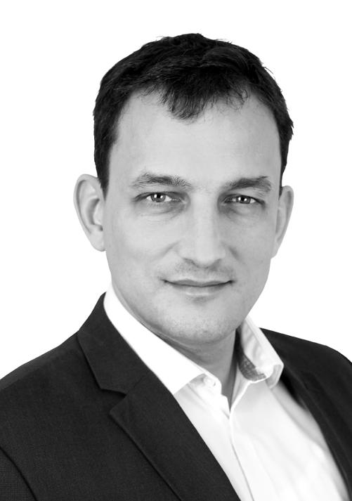 Robert Starcken - robert.starcken@verlag-apercu.de