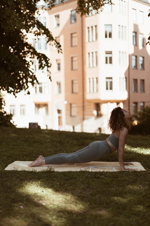 atelier-the-che-yoga-benefits-body-mind-spirit