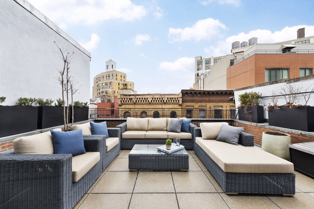 ROOF DECK -
