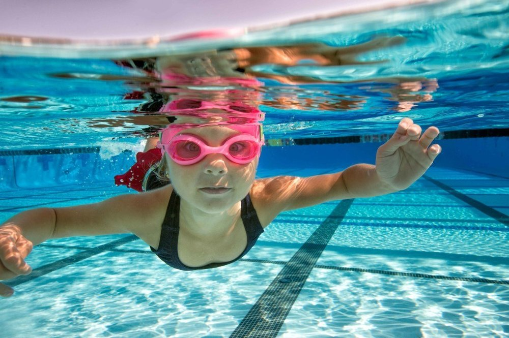 swim-lesson-kids-age-group-stock-by-Mike-Lewis-1-of-4-1082x720.jpg