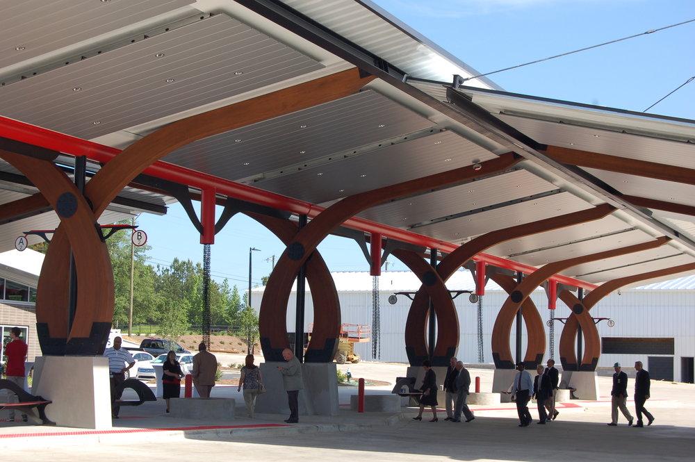 07 - canopy over bus slips.JPG