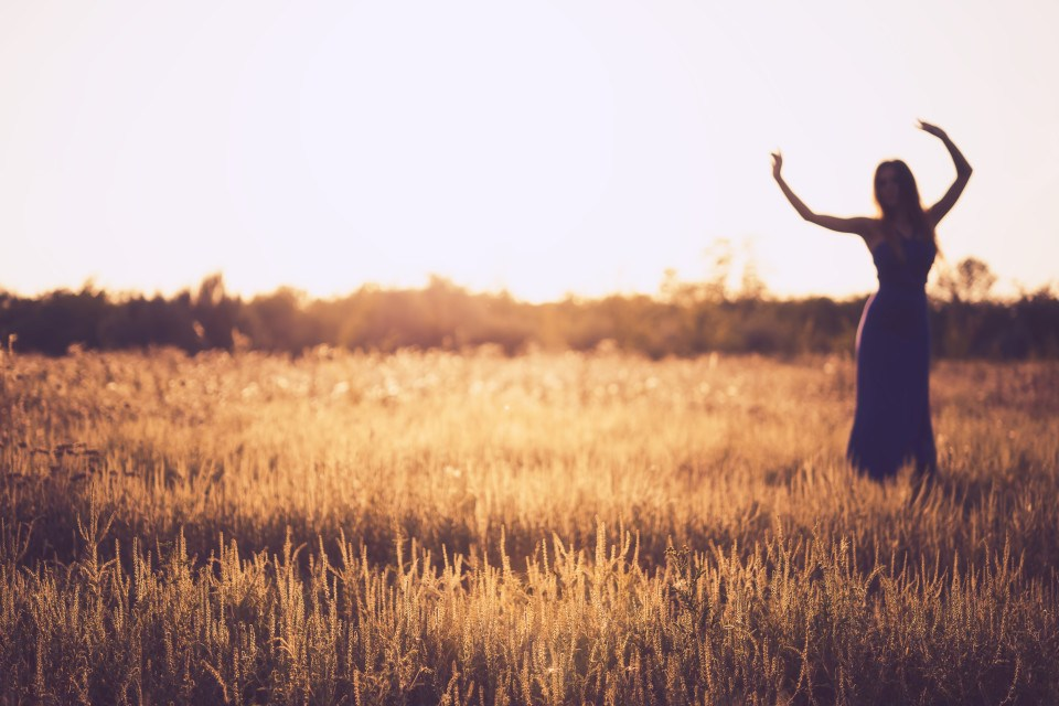 lady-dancing-in-field-.jpg