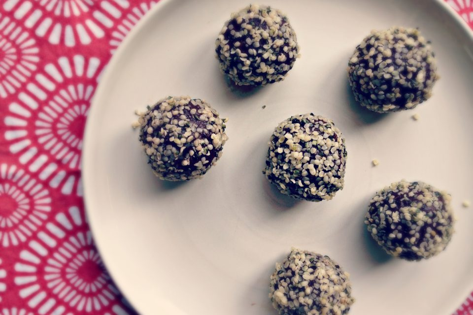 10 minute Hemp Chocolate Energy Balls
