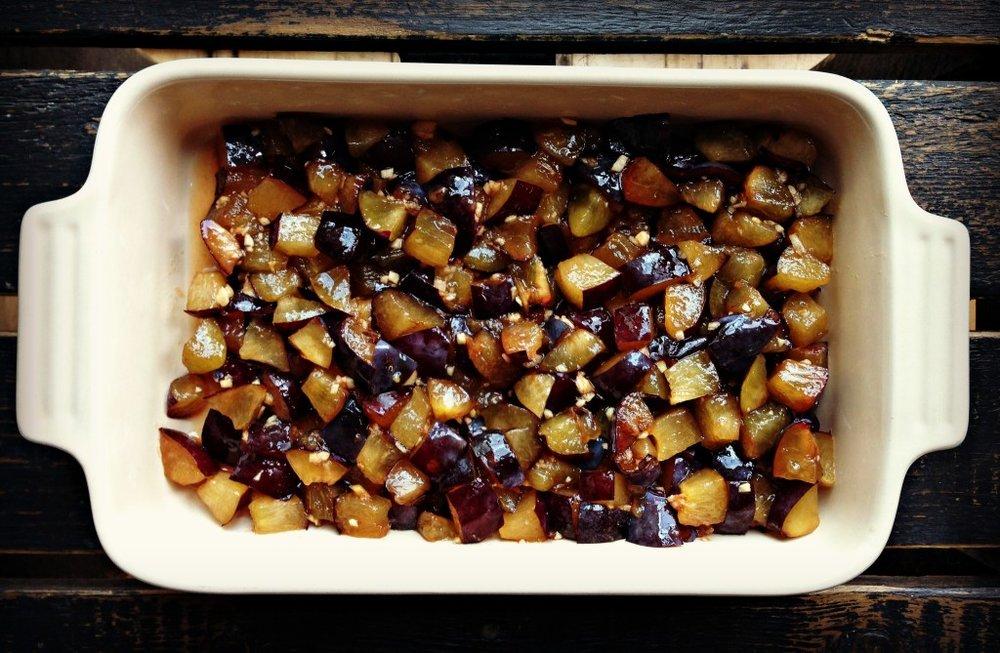 plums-for-crisp.jpg