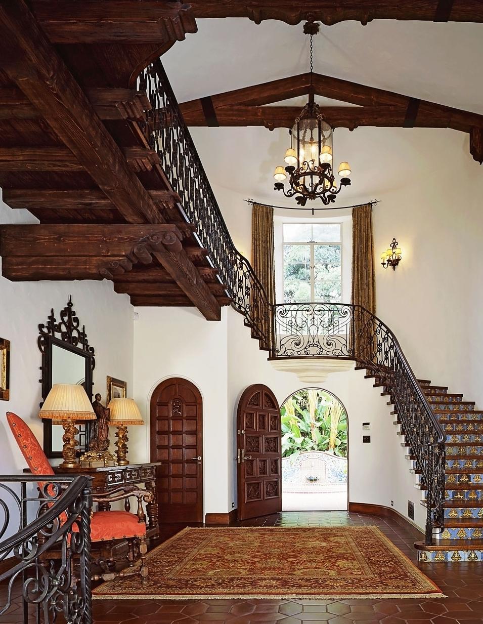3-landing-stairway-banister-entrance-dee-carawan.jpg