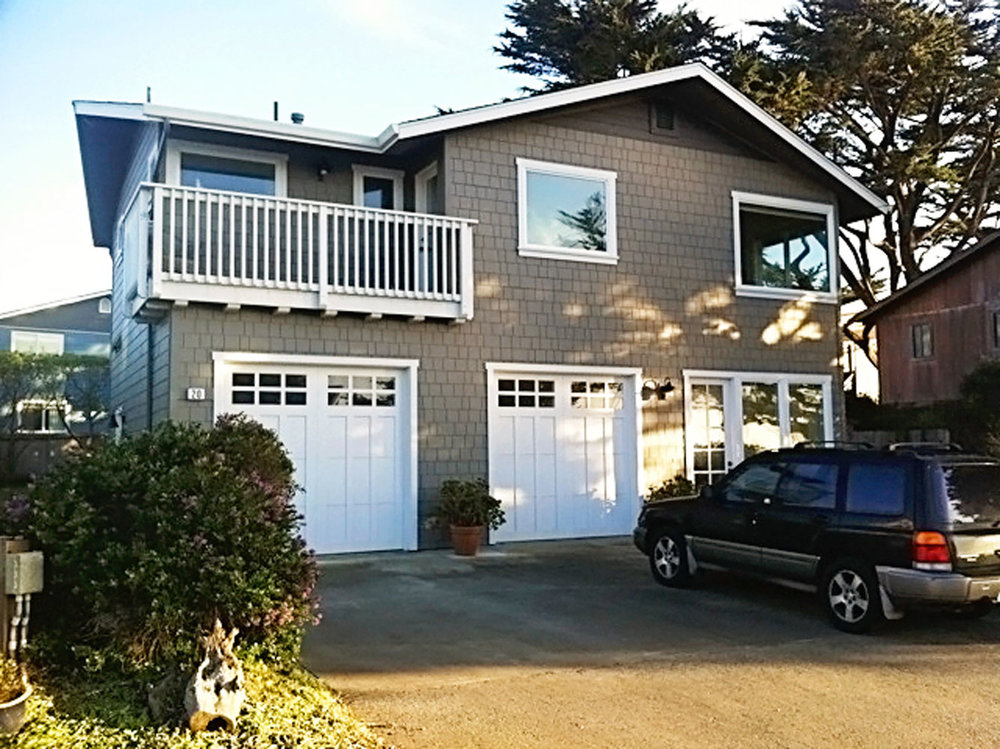 6-craftsman-exterior-back-garage-deck-dee-carawan.jpg