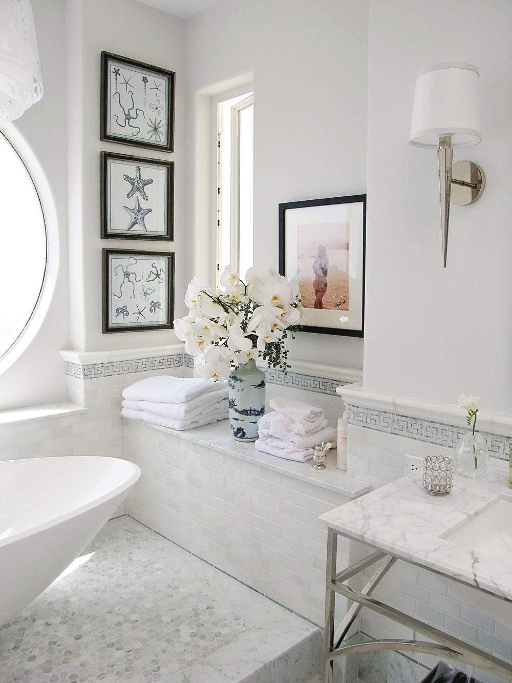 2-bathroom-tiled-floor-bathtub-dee-carawan.jpg