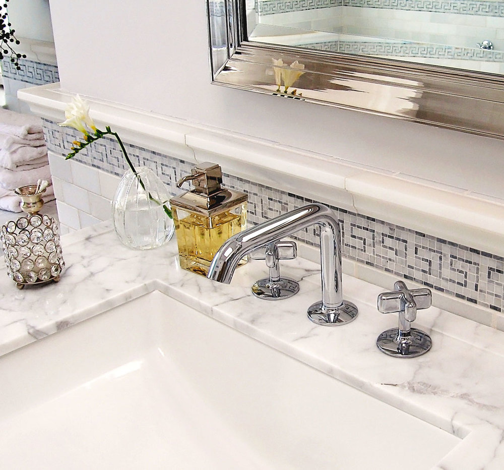 4-marble-sink-vanity-dee-carawan-bathroom.jpg