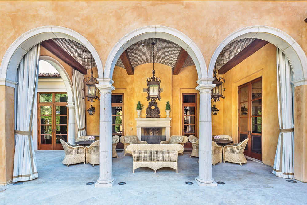 5-arches-patio-entertainment-space-dee-carawan.jpg