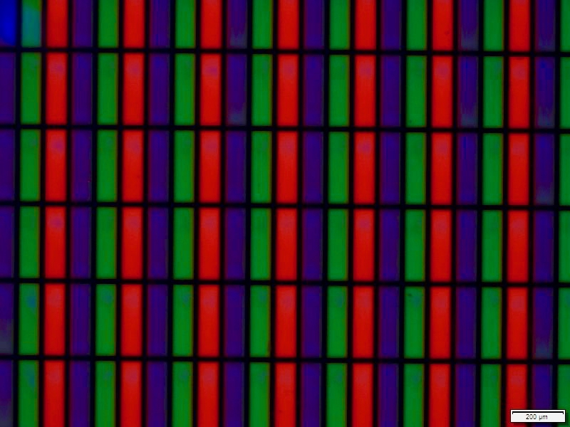 Inkjet-printed Quantum Dot color filter replacement layer. Microscope capture shows Nanosys red and green cadmium-free Quantum Dots in DIC ink printed into 100 by 300 micron sub-pixels. Pixel size equivalent to a 50-inch UltraHD TV.