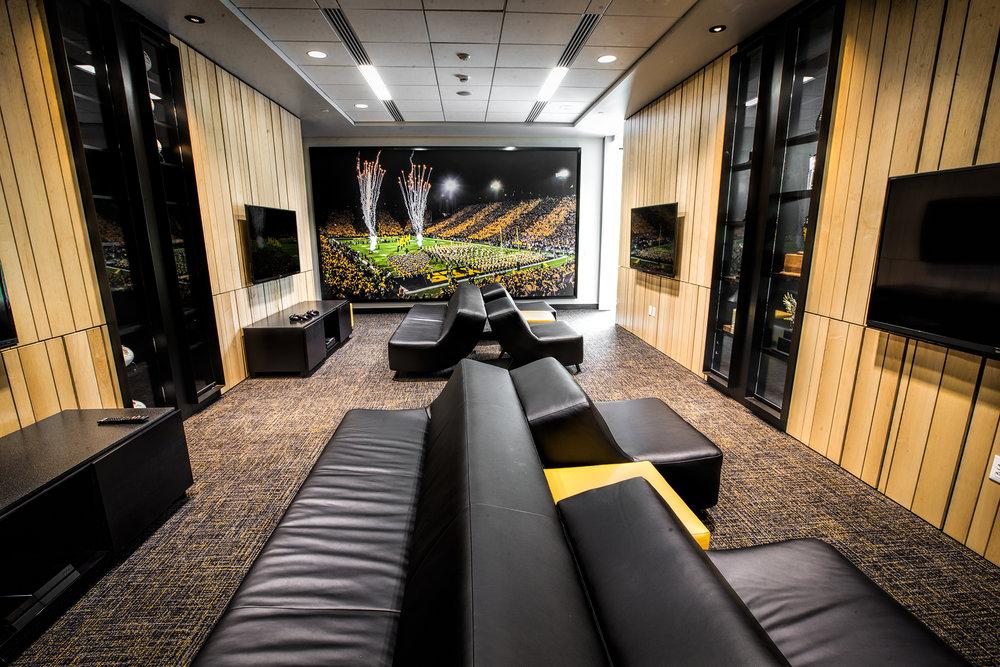 Lounge-Hi.jpg