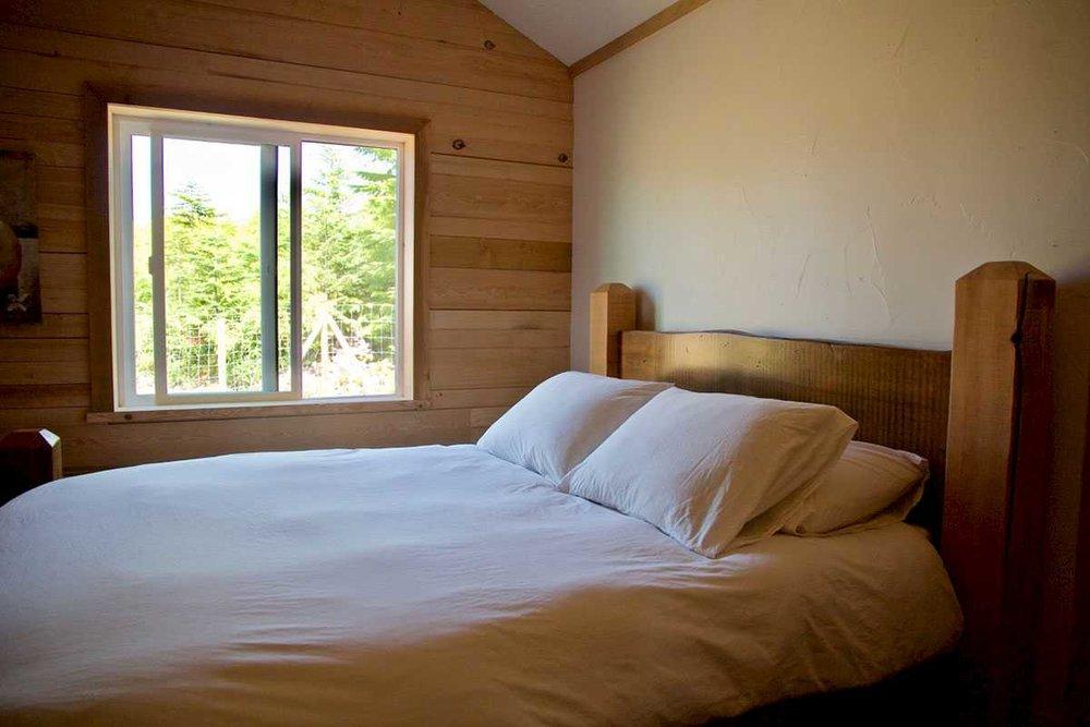kapoose-creek-lofthouse-bedroom-a.1400x0.jpg