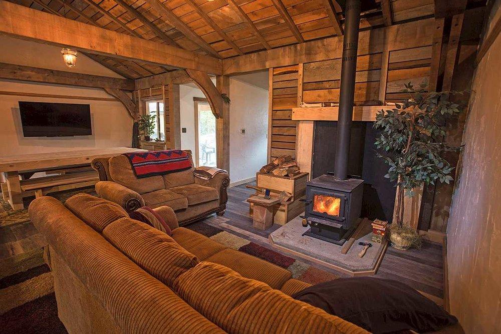 lofthouse-living-room.1400x0.jpg