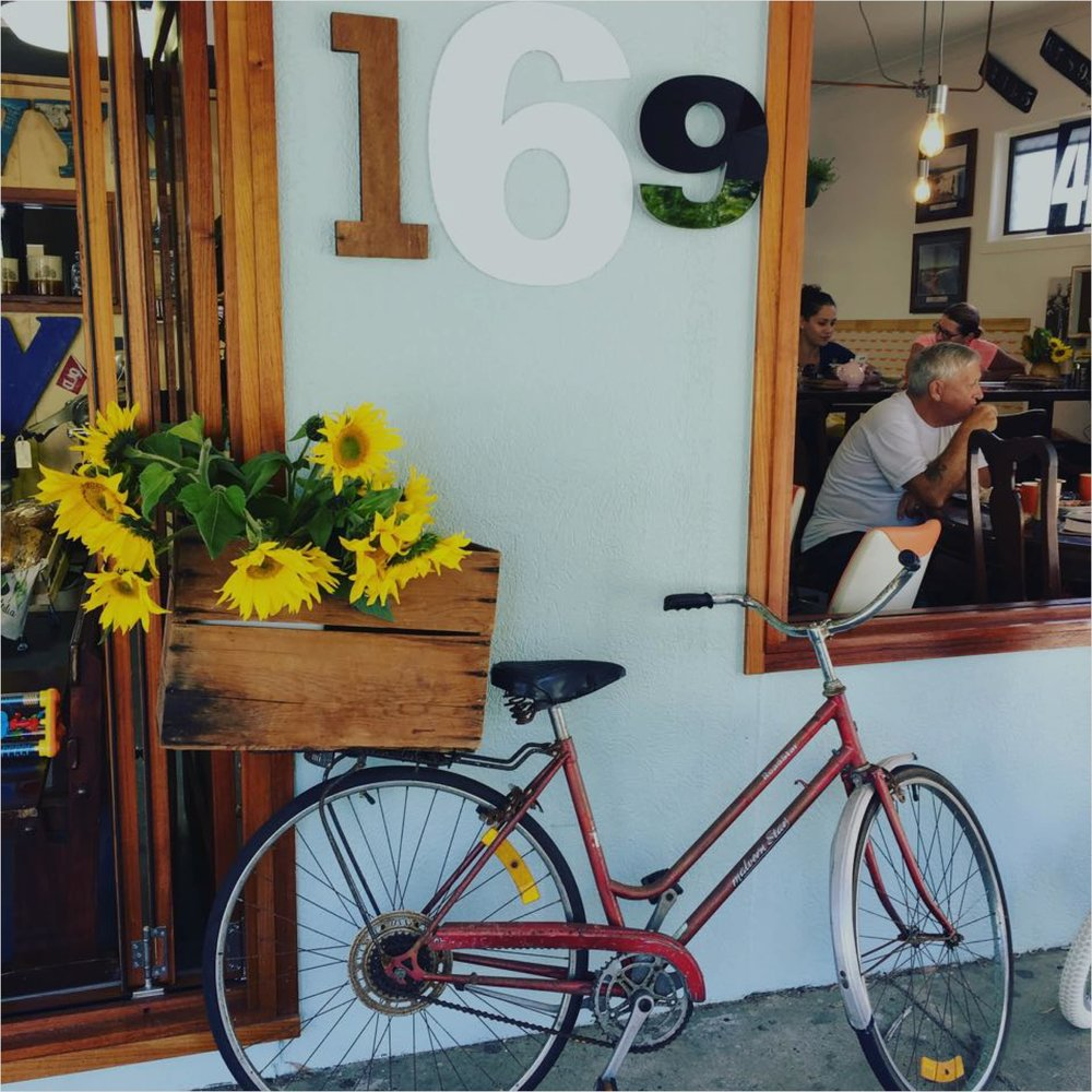 MERVYN ROYS - 169 Golden Four Drive, Bilinga OLD.