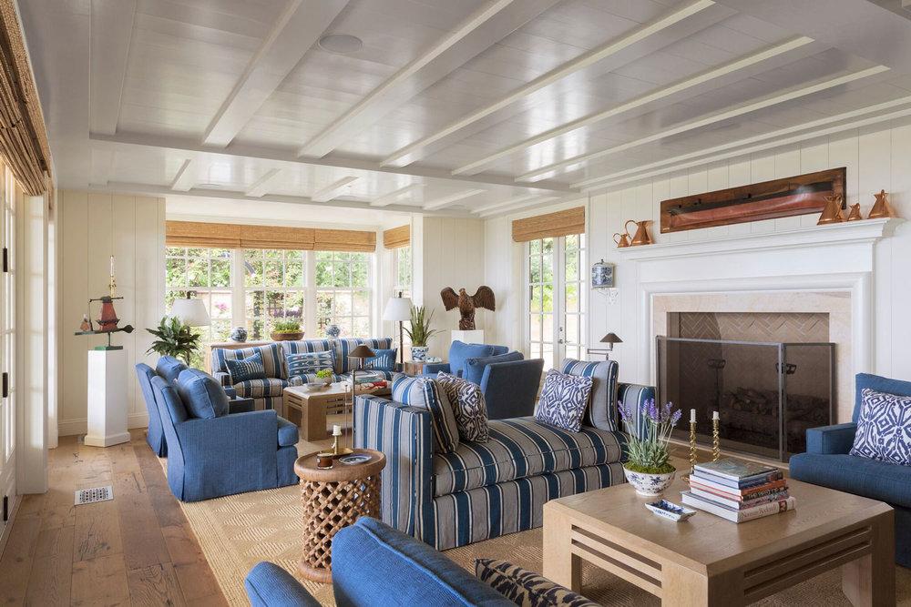 3-katz-living-room-beam-ceiling.jpg