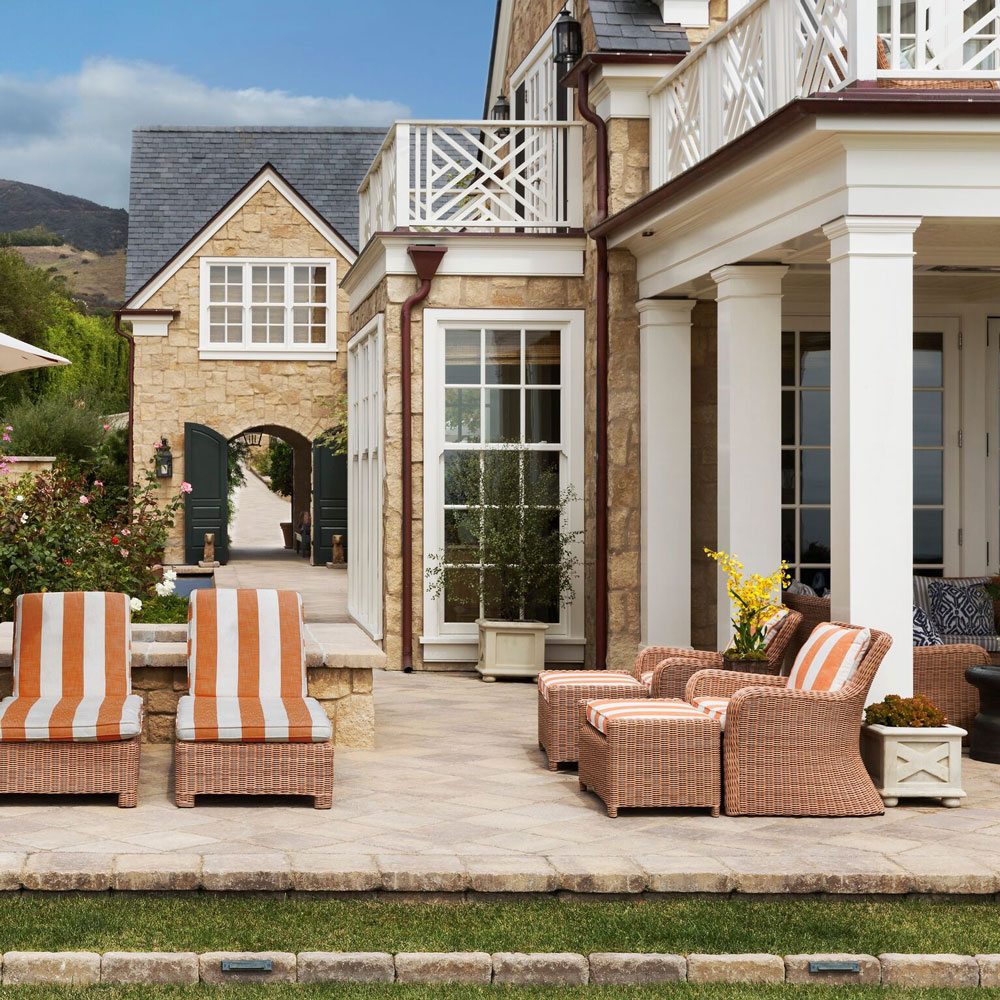 13-katz-stone-facade-traditional-backyard-seating.jpg