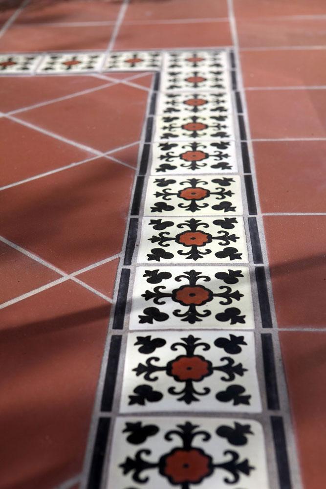 4b-setos-mosiac-tile-detail.jpg