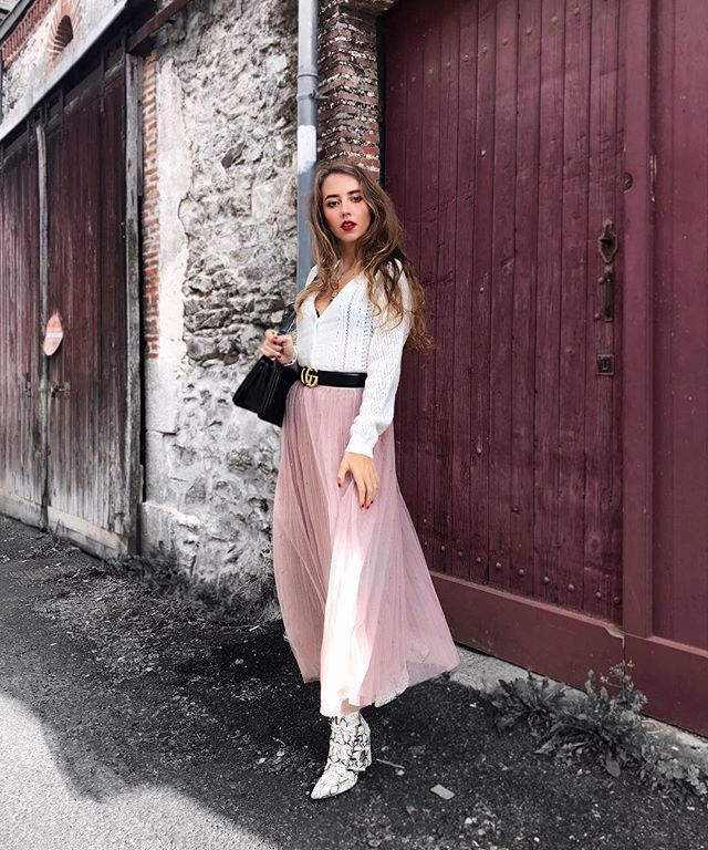@ludivinelry in our Pearl midi skirt