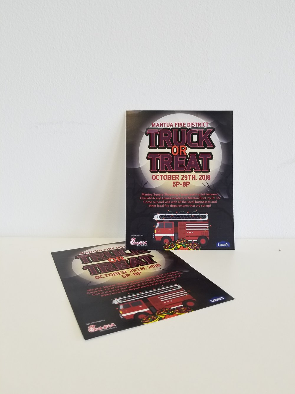 Flyers - Flyers are a great way to showcase events or your products/services. Attract attention, and share detailed information with our color flyers.
